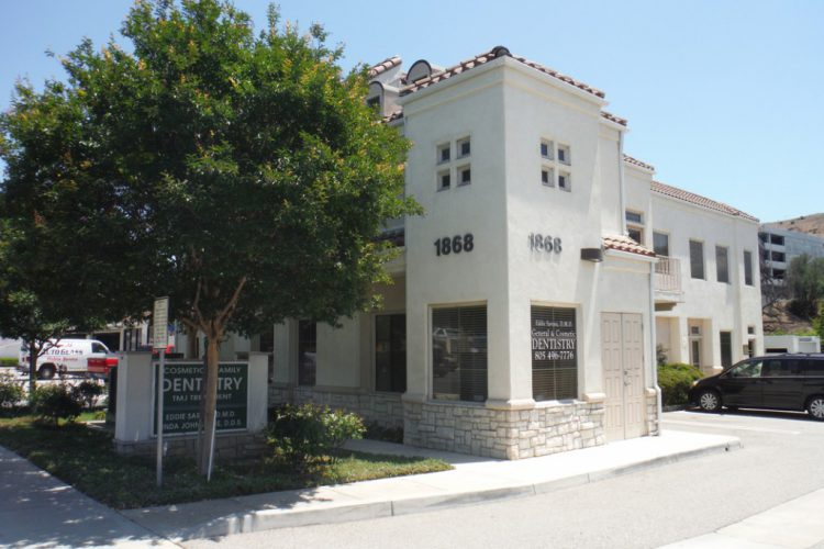 cosmetic and family dentistry building in thousand oaks